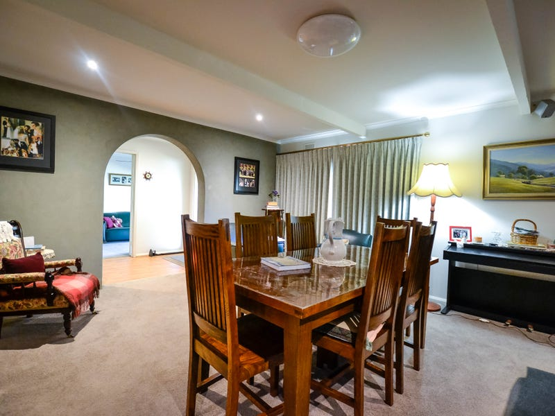 2A Rosemary Avenue, Strathdale, Vic 3550