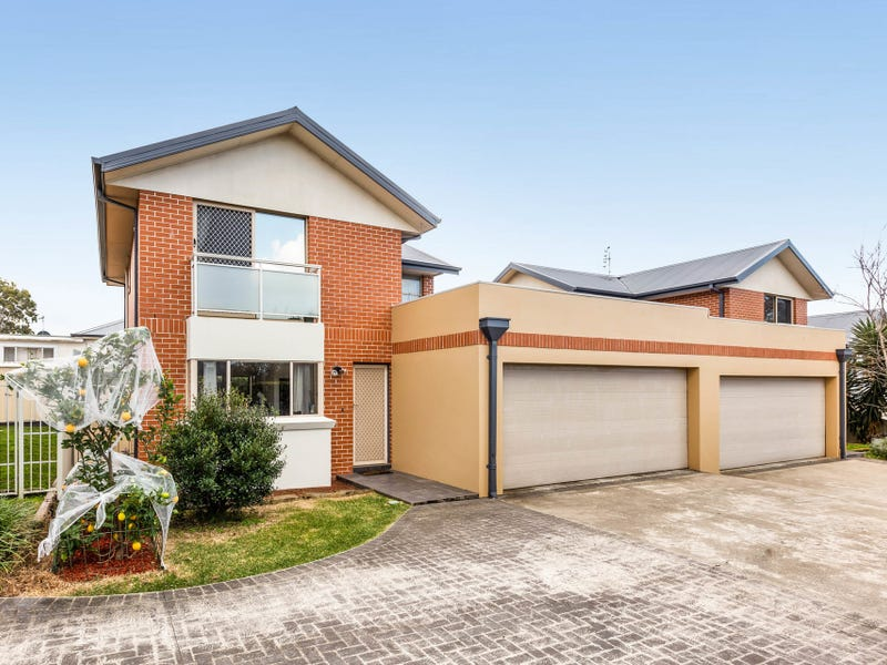 2/35 Russell Street, Balgownie, NSW 2519