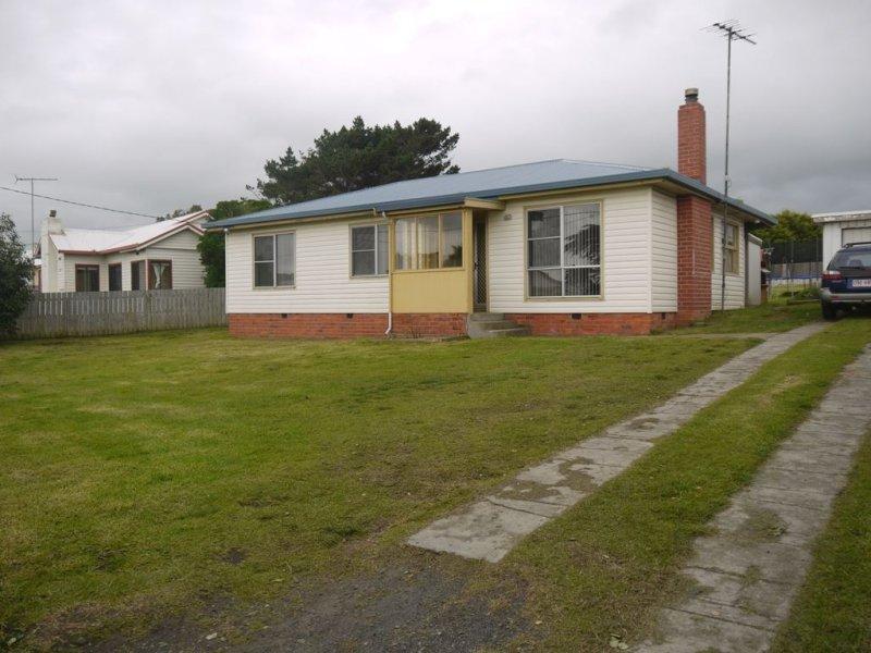 68 Main Street, Currie, Tas 7256