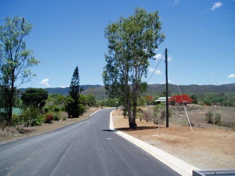 Santowski Crescent, Mount Molloy, Qld 4871
