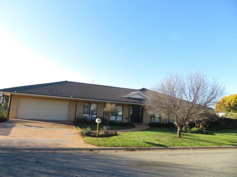 22 Winlee Place, Leeton, NSW 2705