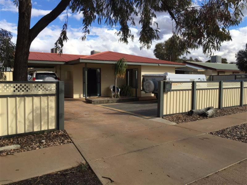 12 Axehead Road, Roxby Downs, SA 5725