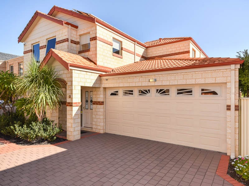 2/8 Batsford Way, Canning Vale, WA 6155
