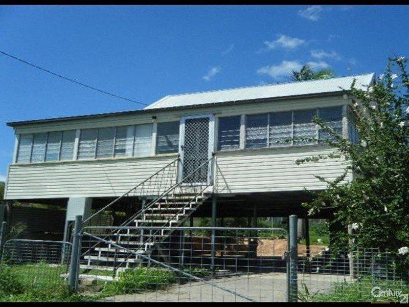 35 Gladstone Street, Mount Larcom, Qld 4695