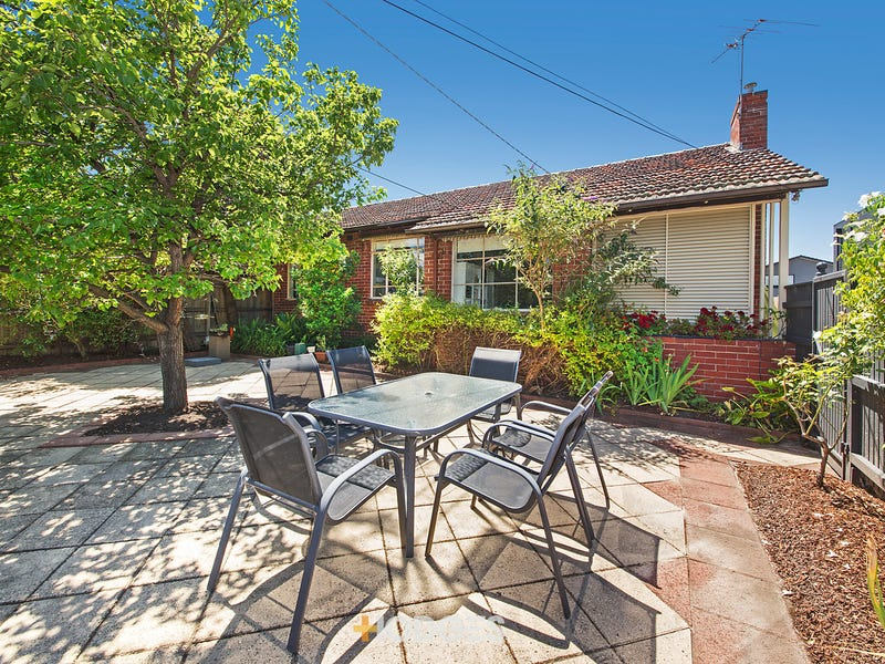 16 Kingston Street, Hampton, Vic 3188