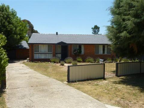 40 Mary Street, Berridale, NSW 2628