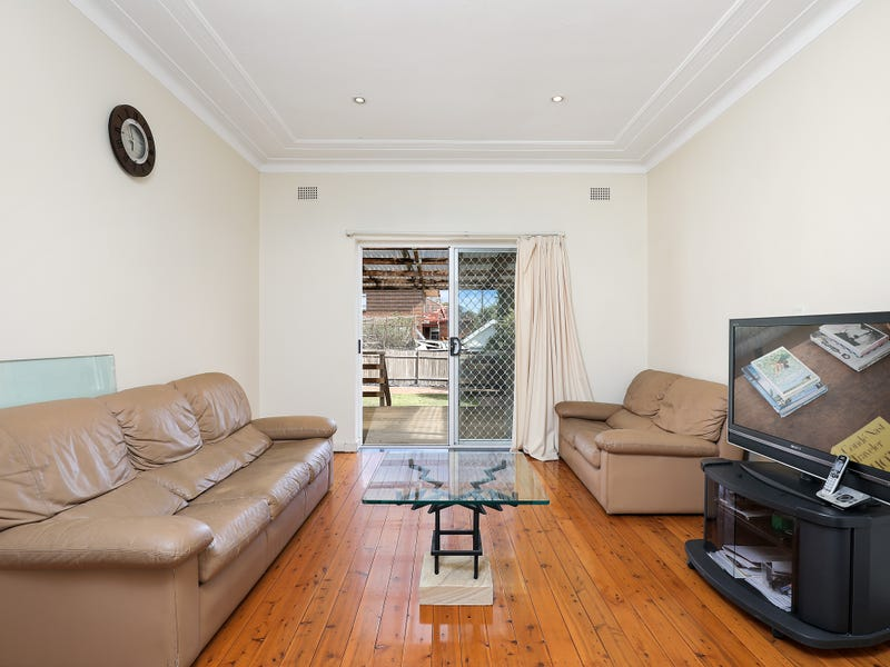 24 Raeburn Avenue, Castlecrag, NSW 2068