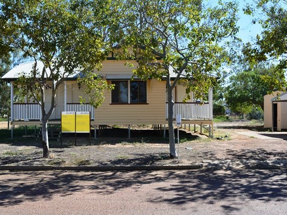 26 Coronation Drive, Blackall, Qld 4472