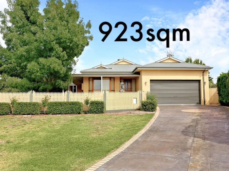 4 Solwood Court, Somerville, Vic 3912