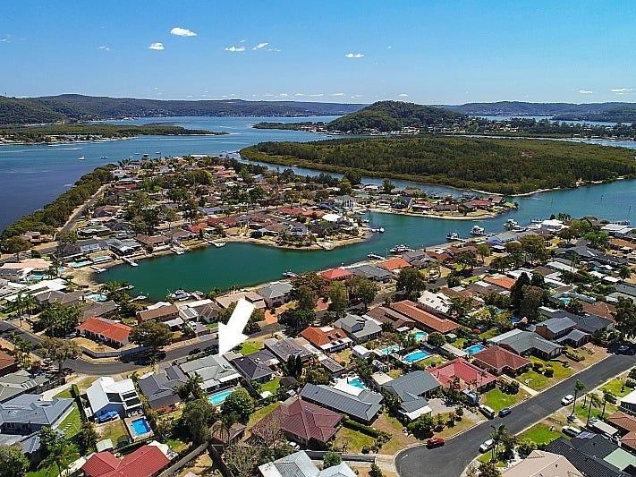 17 Marina View Pde, St Huberts Island, NSW 2257