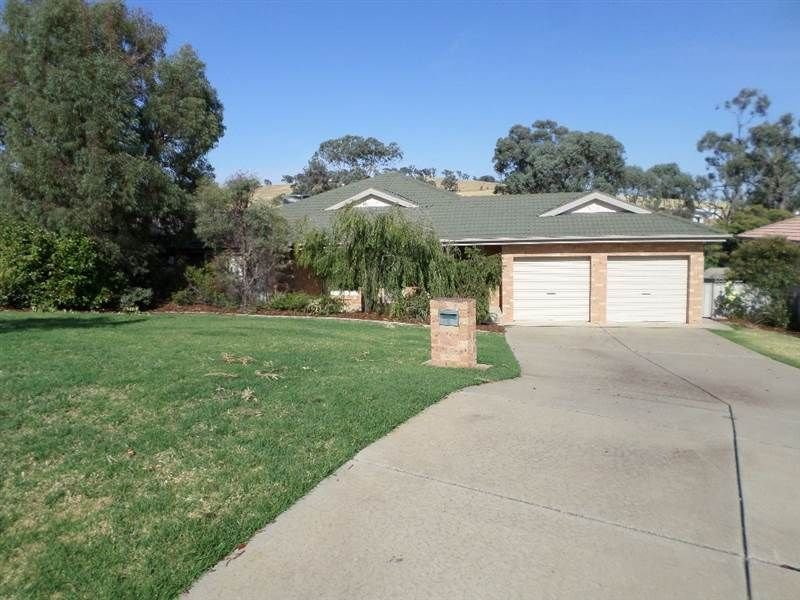 Address available on request, Lloyd, NSW 2650