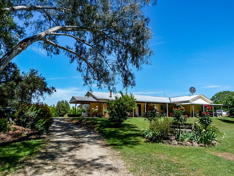 106 Lower River Road, Gapsted, Vic 3737