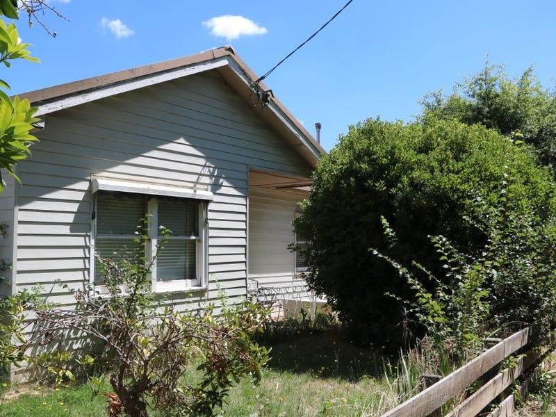 33 Cosmo Road, Trentham, Vic 3458