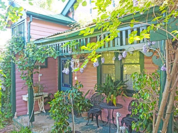33 Commins St, Junee, NSW 2663