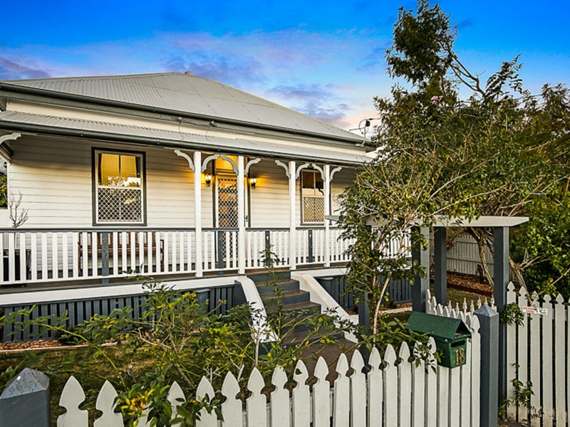 18 Edward Street, North Toowoomba, Qld 4350