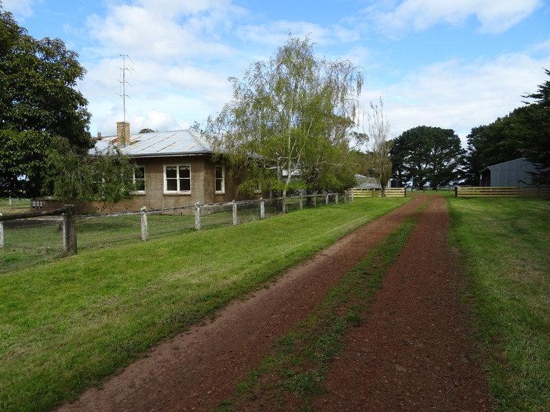 216 Gore's Lane, Penshurst, Vic 3289