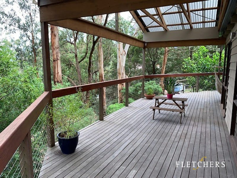 24 Johns Road, Selby, Vic 3159