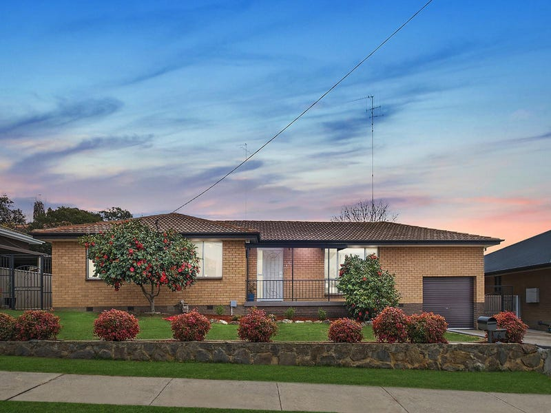 6 Cassinia Street, Crestwood, NSW 2620