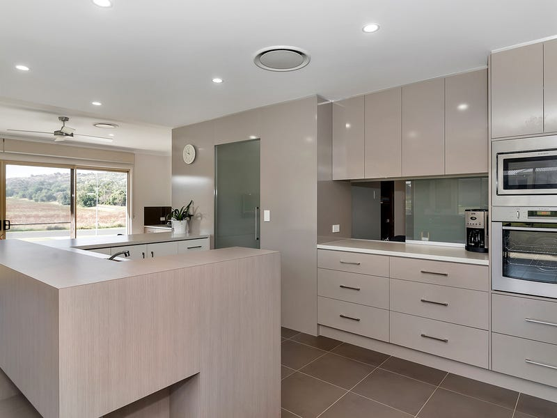 3 Storeys Road, Kingsthorpe, Qld 4400