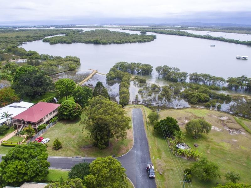 1 Marine Court, Jacobs Well, Qld 4208