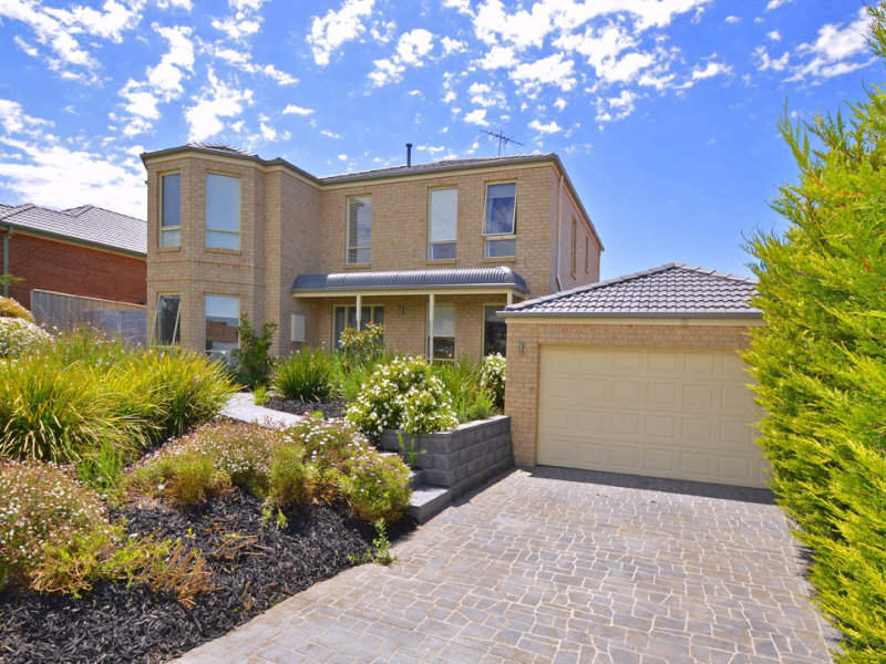 34 Bundanoon Avenue, Sunbury, Vic 3429