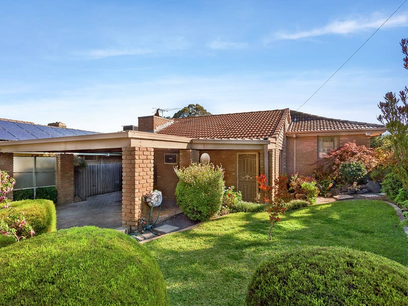 19 Caravelle Crescent, Strathmore Heights, Vic 3041