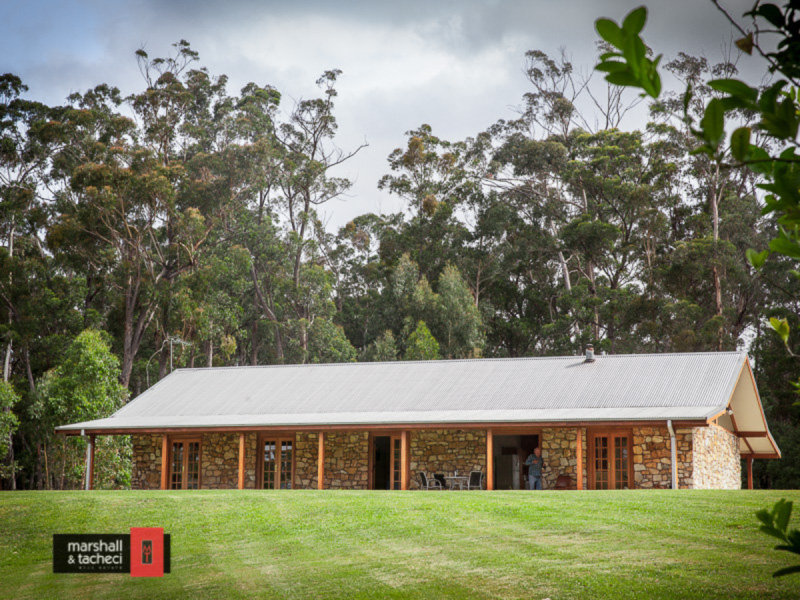 9 Ridge Road, Bermagui, NSW 2546