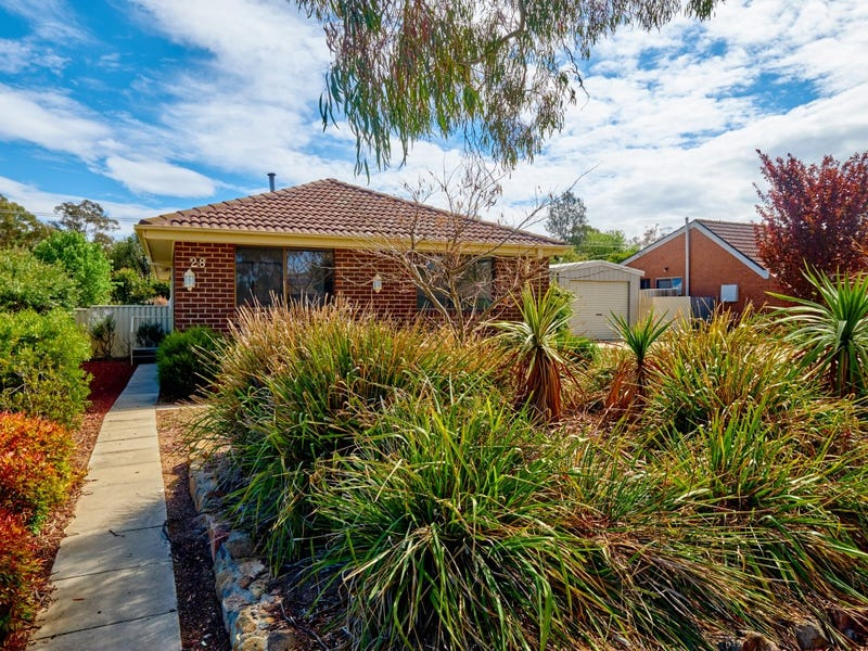 28 Falkiner Place, Macarthur, ACT 2904