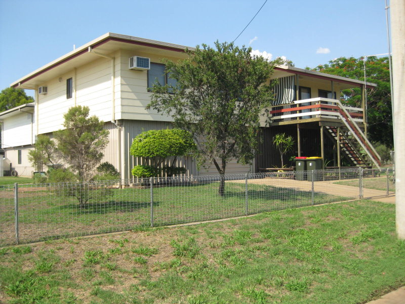 2  Mimosa St, Clermont