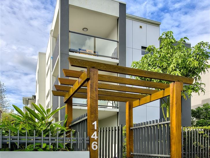 2/146 Cavendish Road, Coorparoo, Qld 4151