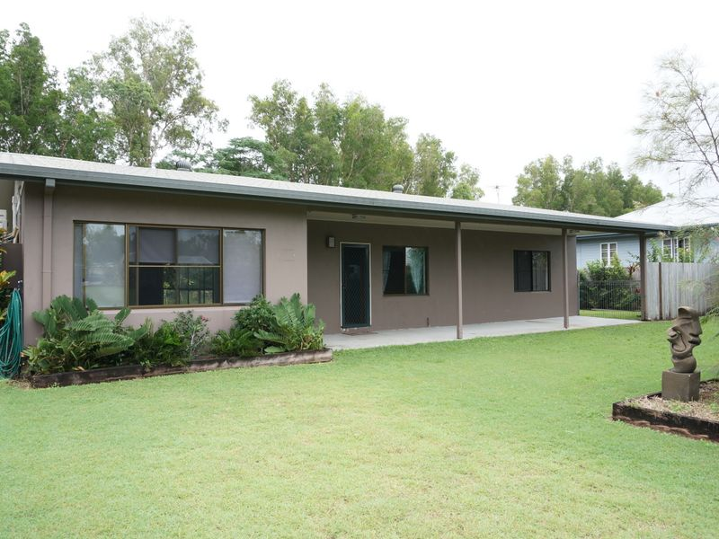 25 Melaleuca Drive, Tully Heads, Qld 4854