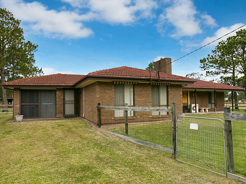 4 Barrie Close, Williamtown, NSW 2318
