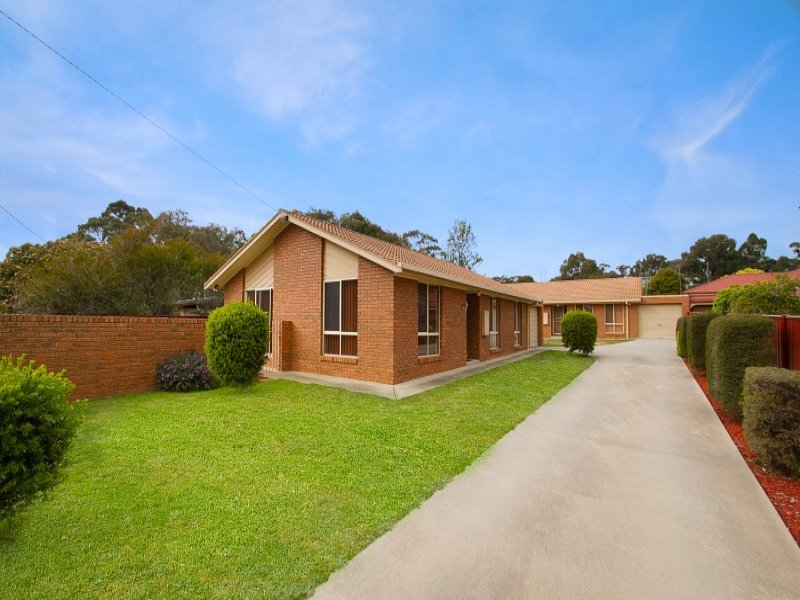 Unit 1 & 2, 64 Keck Street, Flora Hill, Vic 3550
