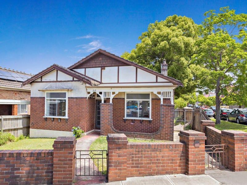 219 Queen Street, Hurlstone Park, NSW 2193