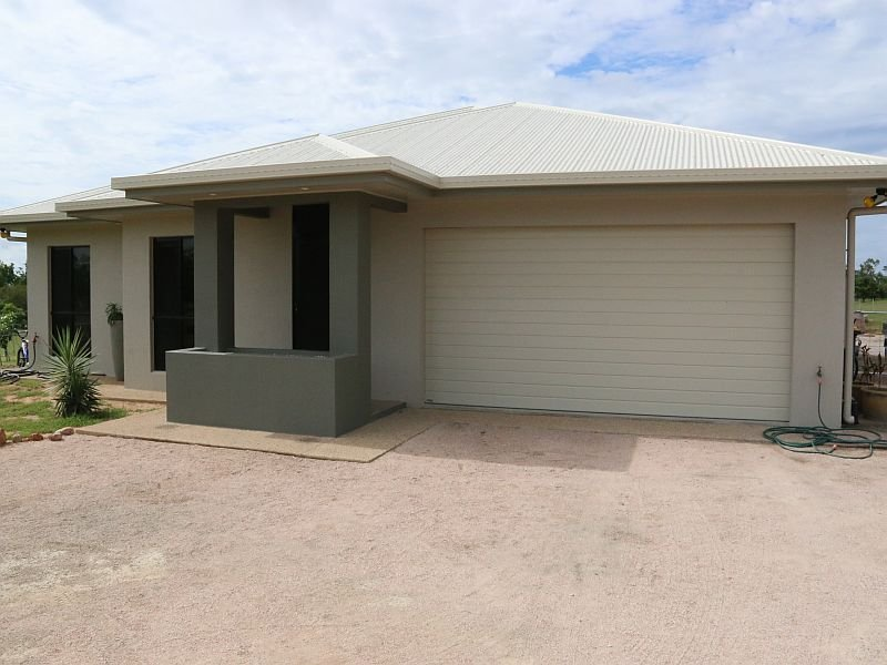 131 Mount Kelly Drive, Mount Kelly, Qld 4807