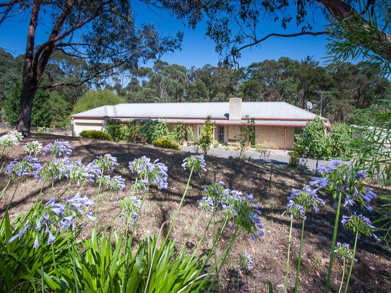 7 Carrolls Lane, Bullengarook, Vic 3437