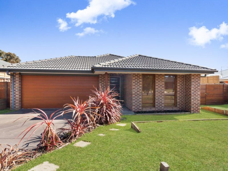 5 Grange Drive, Broadford, Vic 3658