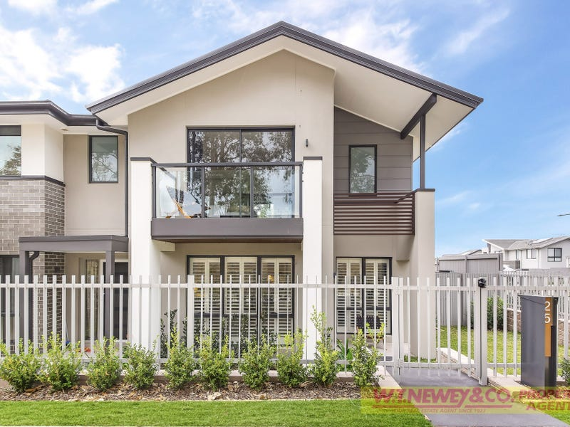 25 Kermond Walk, Moorebank, NSW 2170