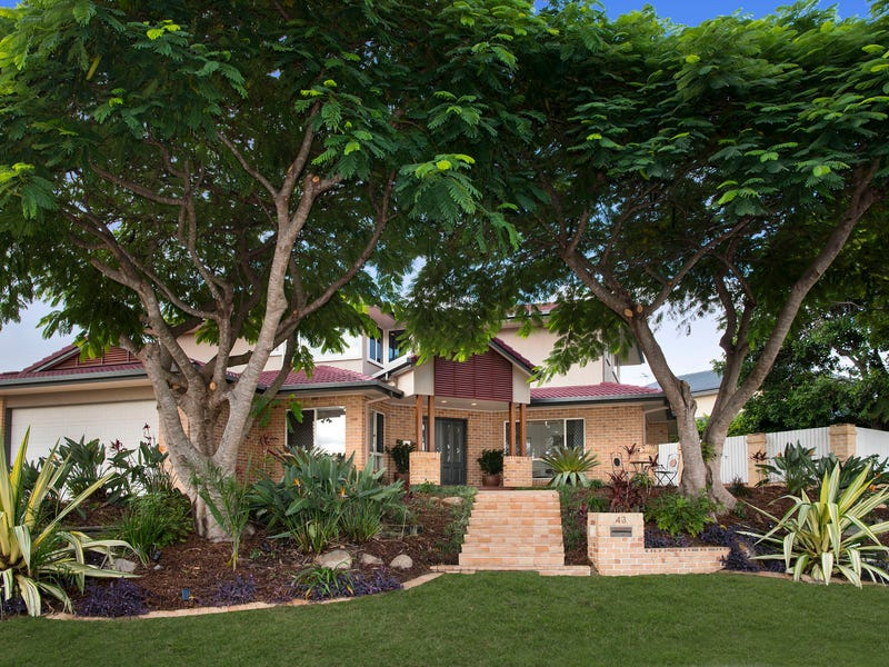 43 St Andrews Crescent, Carindale, Qld 4152
