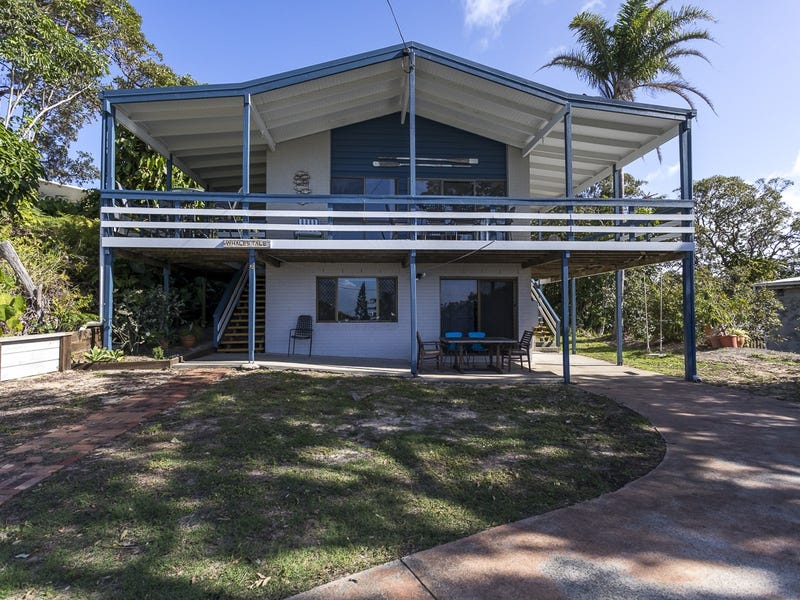 32 Yarrong Rd, Point Lookout, Qld 4183