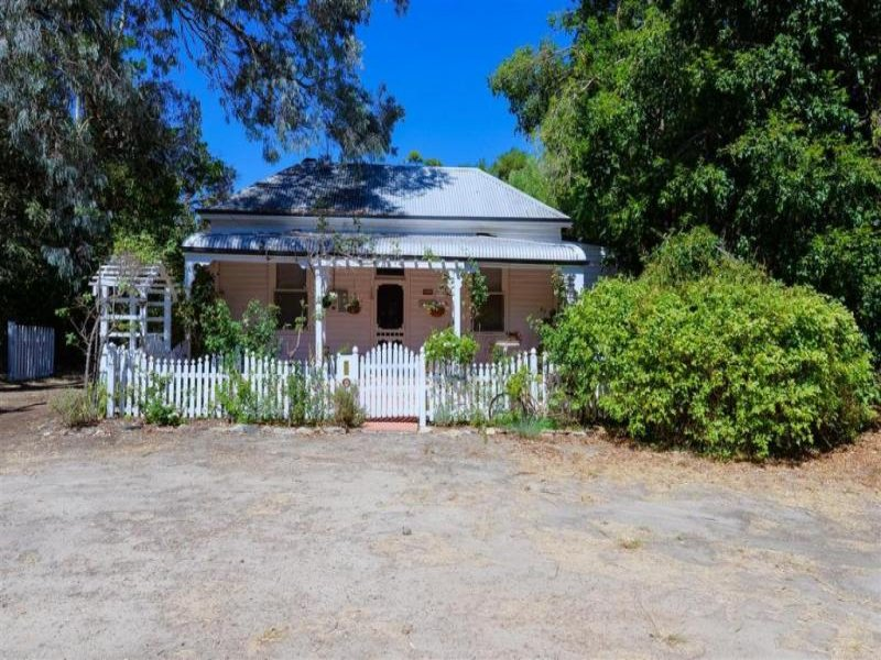 880 Riley Road, Parkerville, WA 6081