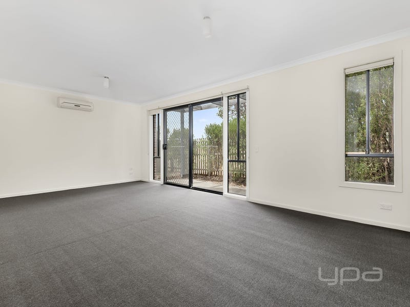 6/9 Petrea Place, Melton West, Vic 3337