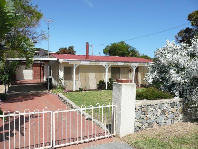 2 Flinders St, Hopetoun, WA 6348