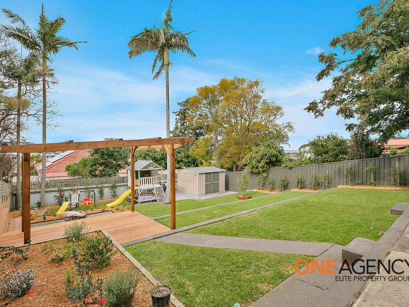 50 Edgeworth Avenue, Kanahooka, NSW 2530