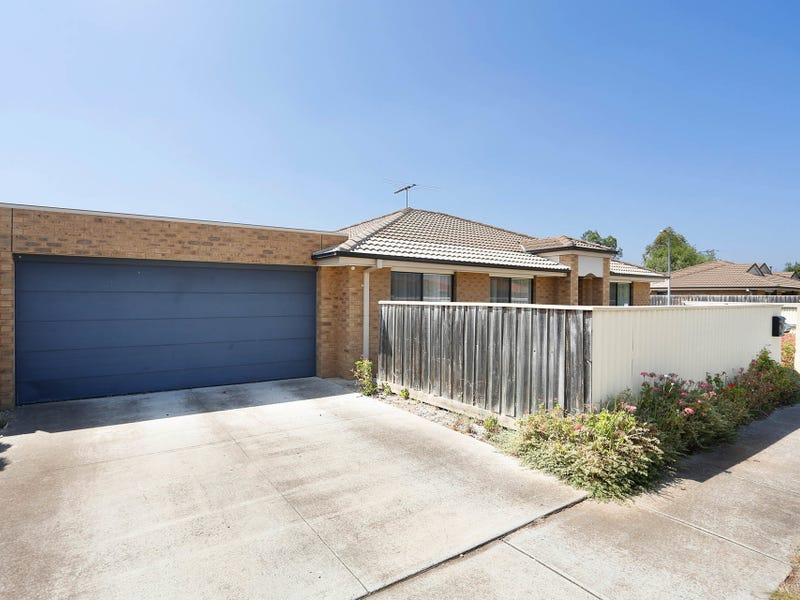 1/62 Andrew Street, Melton South, Vic 3338