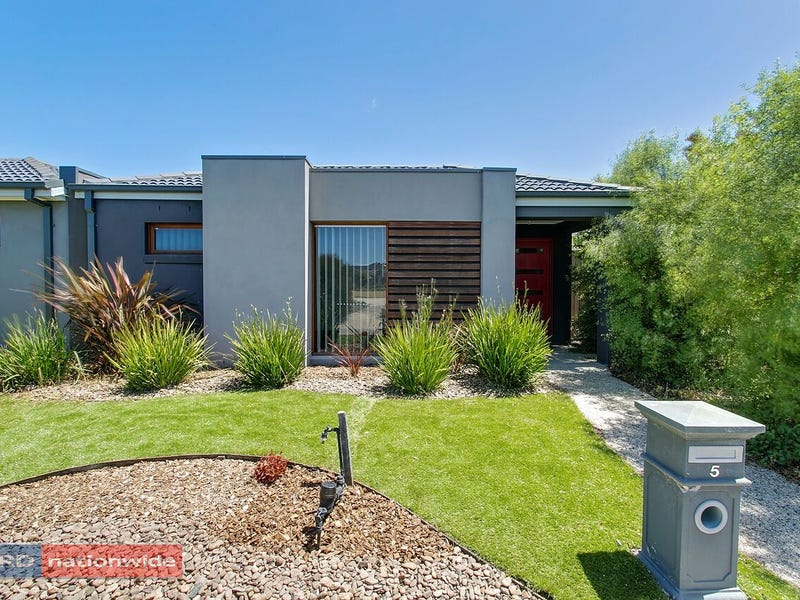 5 Foxall Walk, Point Cook, Vic 3030