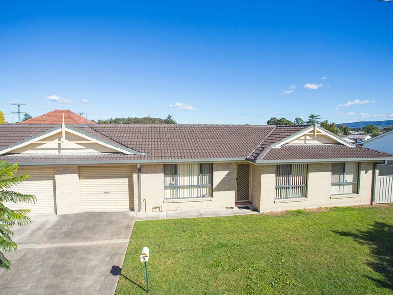 2/1 Melton Avenue, Cessnock, NSW 2325