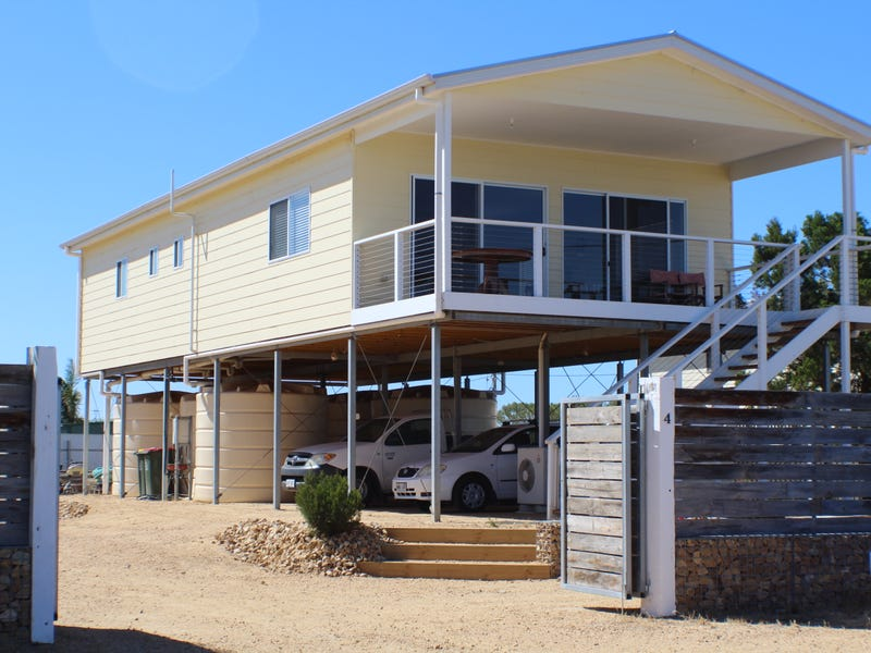 4 Petrel Crescent, Thompson Beach, SA 5501