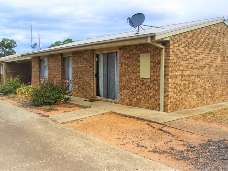 1 & 2 / 7 Railway Place, Numurkah, Vic 3636