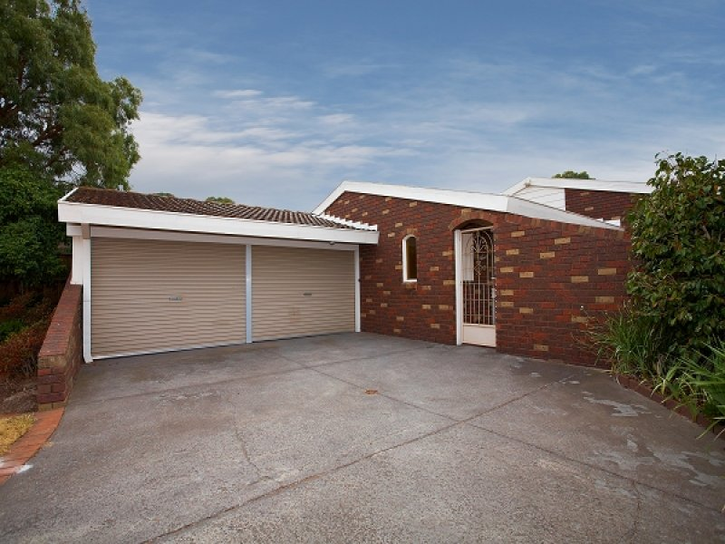 38 Golf Links Crescent, Dingley Village, Vic 3172